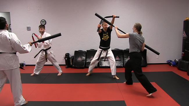 High block with nunchaku_650