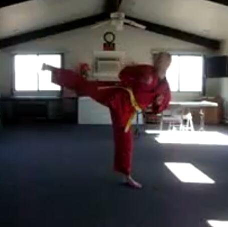 Massimo kicking
